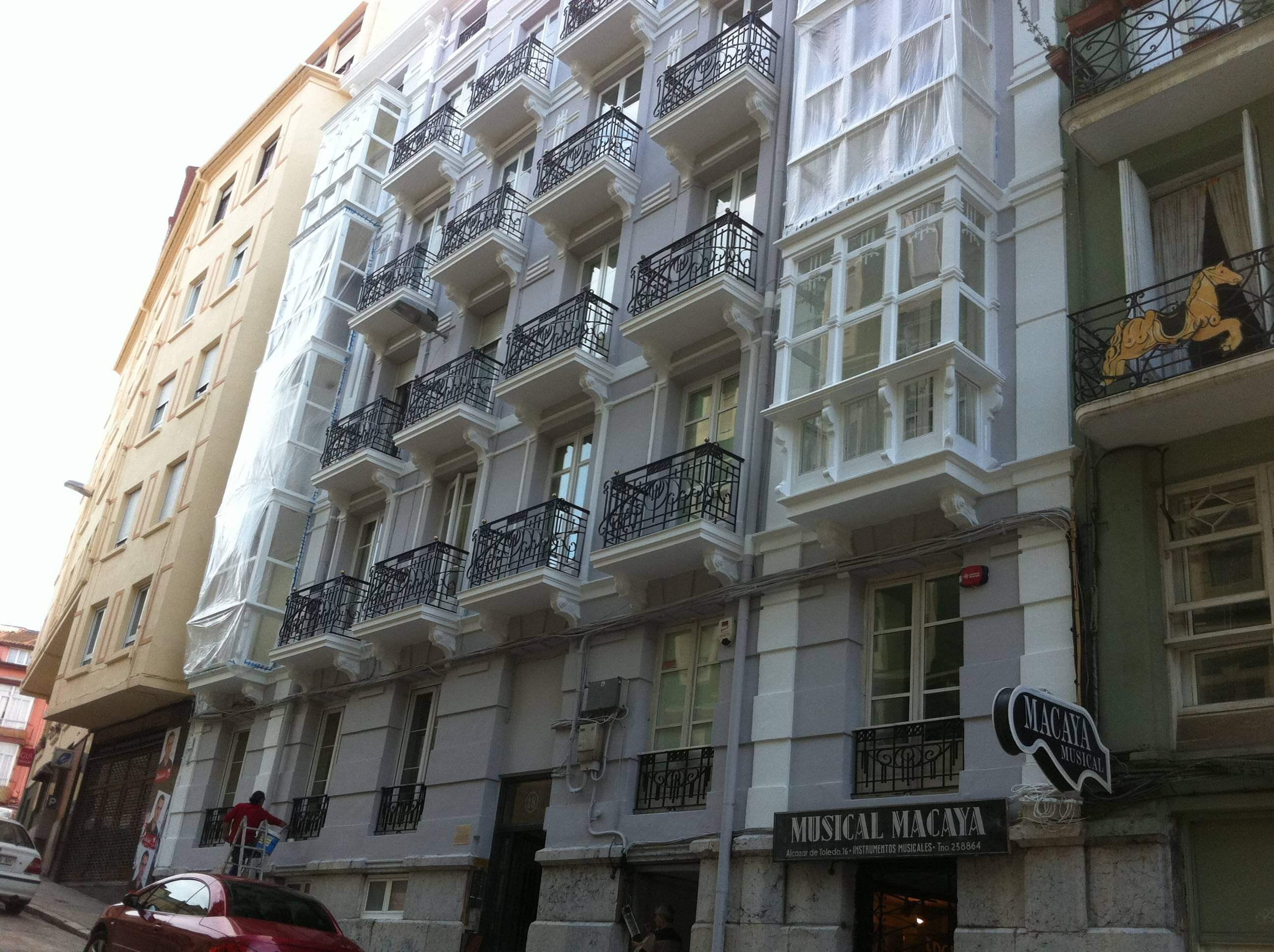 Rehabilitaci n de fachada tradicional trabajos verticales for Fachada tradicional